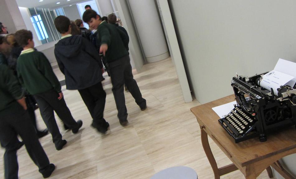 Servizo didáctico exposición Typewriter